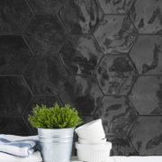Obklad Hexa Black Swan interiér